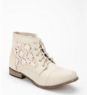 Crochet Fashion: Urban Outfitters Boots