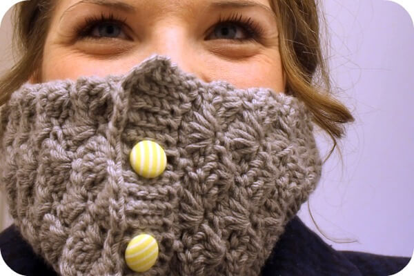 The Shell Crochet Cowl: Free Pattern