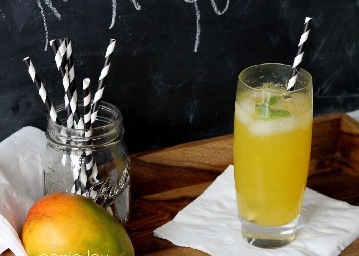 Low-Calorie Minted Mango Refresher