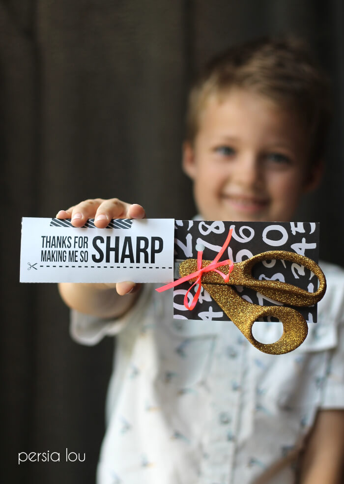 Glitter scissors plus this free printable make a great teacher gift!