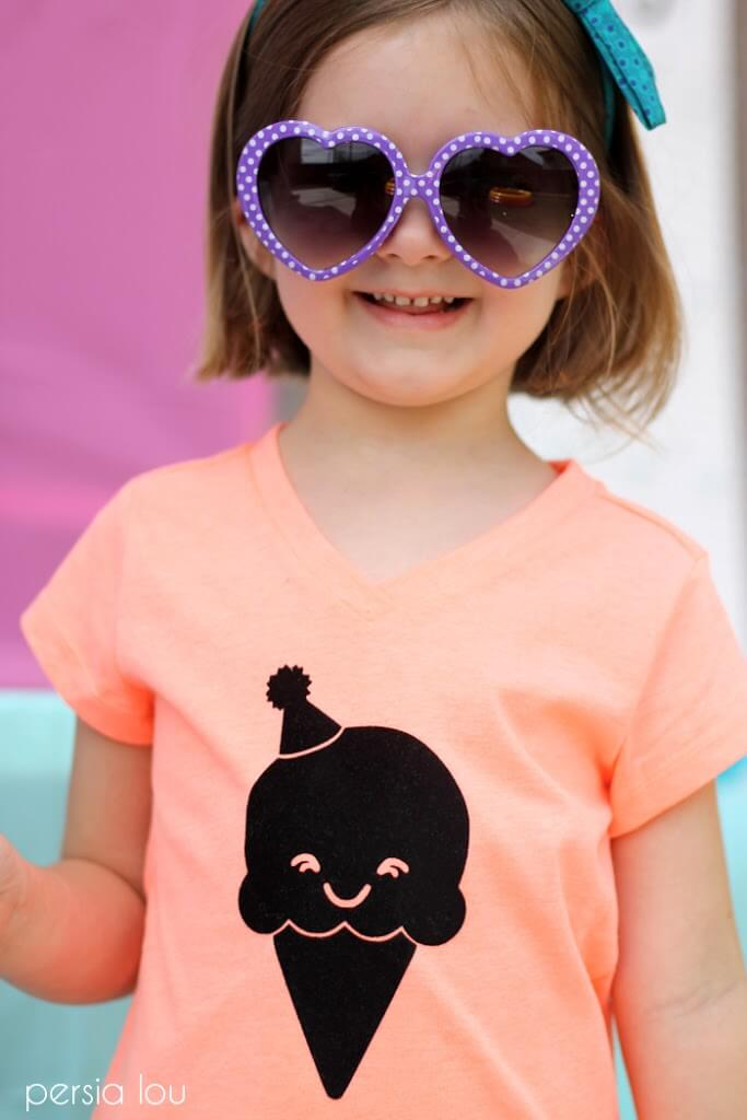 DIY Ice Cream Cone T-shirt - how cute is this kawaii ice cream cone? free silhouette cut file. Easy to make with heat transfer vinyl