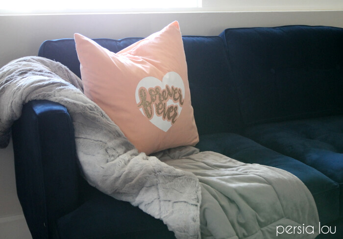 diy forever ever valentine's pillow with free forever ever cut file