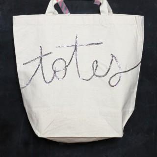 Sequin-DIY-tote-bag-Darice