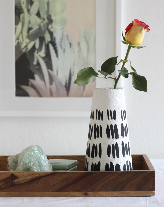 DIY Modern Vase - get a faux plaster look with foam!