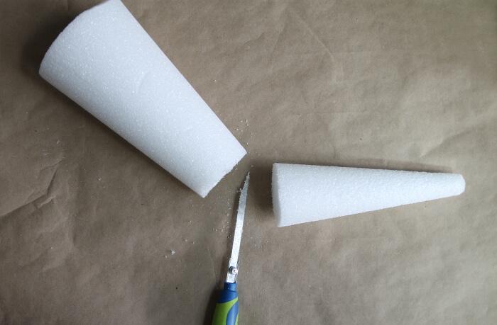 foam vase step one