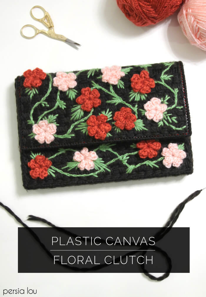 Learn how to make a floral clutch using plastic canvas and crochet flowers.