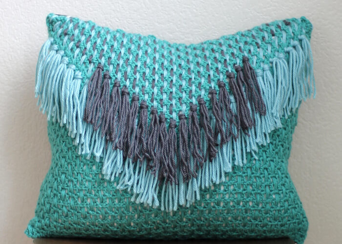 Woven Tassel Pillow – Free Crochet Pattern