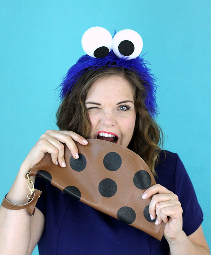 Super easy homemade cookie monster costume for women. A fun DIY costume that's easy to throw together last minute