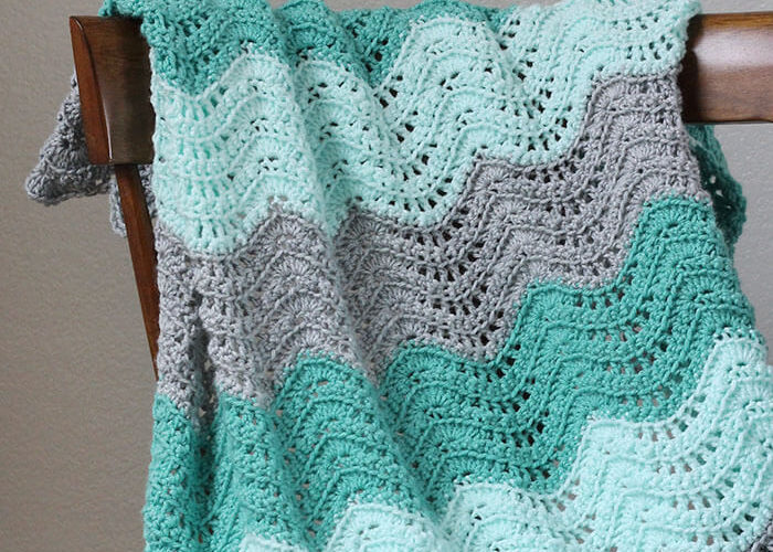 Crochet Feather and Fan Baby Blanket – Free Pattern