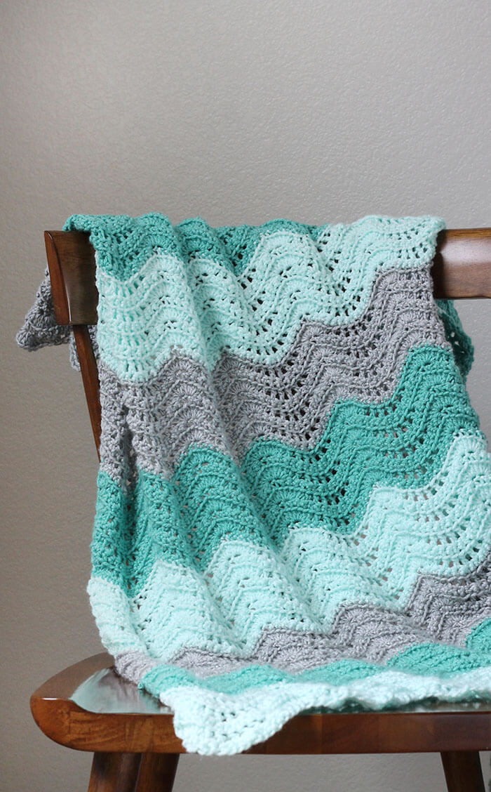 Crochet Feather and Fan Baby Blanket - Free Pattern - Persia Lou