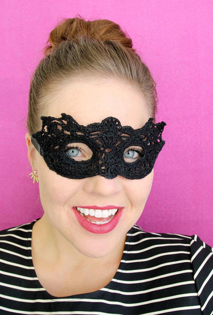 Free Crochet Halloween Mask Patterns : Crochet Masquerade Mask - Free Pattern - Persia Lou