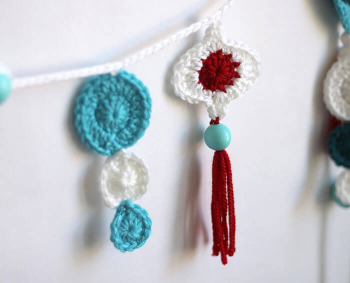 Crochet Retro Ornament Garland - Persia Lou