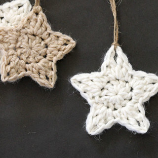Crochet Stars – Free Ornament Pattern