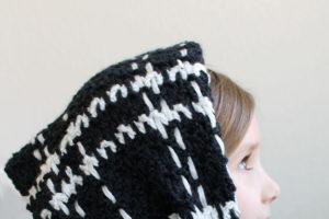 Windowpane Plaid Scarf – Free Crochet Pattern