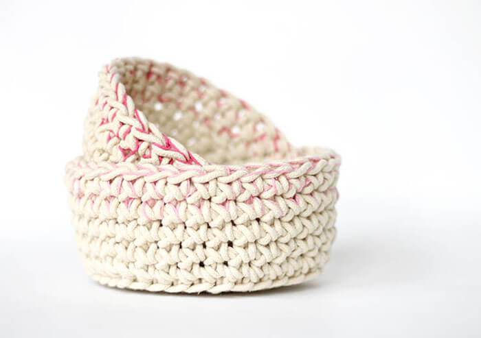 Color Block Crochet Baskets – Free Pattern
