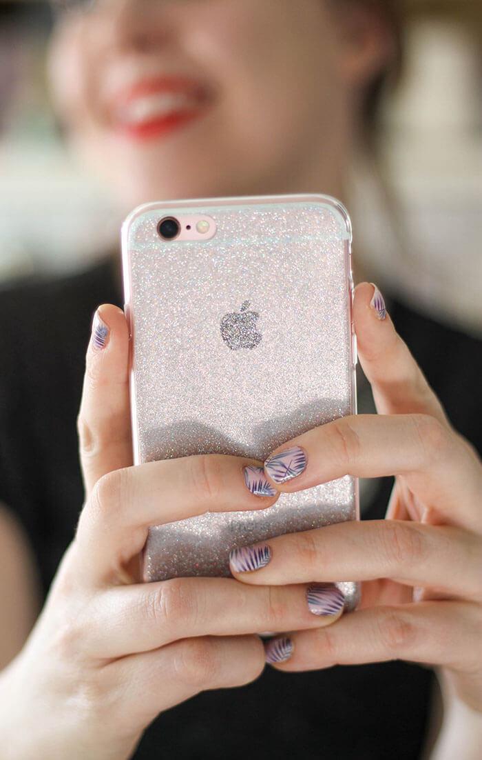 new product 72ec2 d7abc Super Simple DIY Glitter Phone Cases - Persia Lou