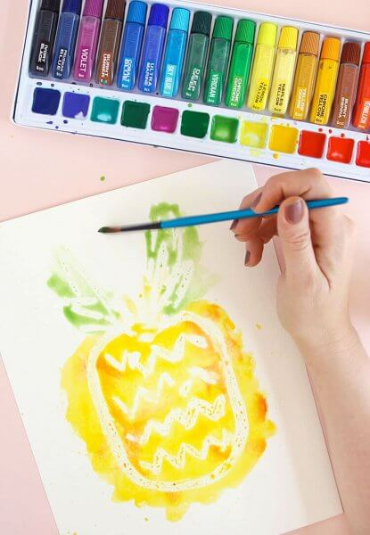 http://persialou.com/wp-content/uploads/2016/04/painting-the-pineapple-415x600.jpg