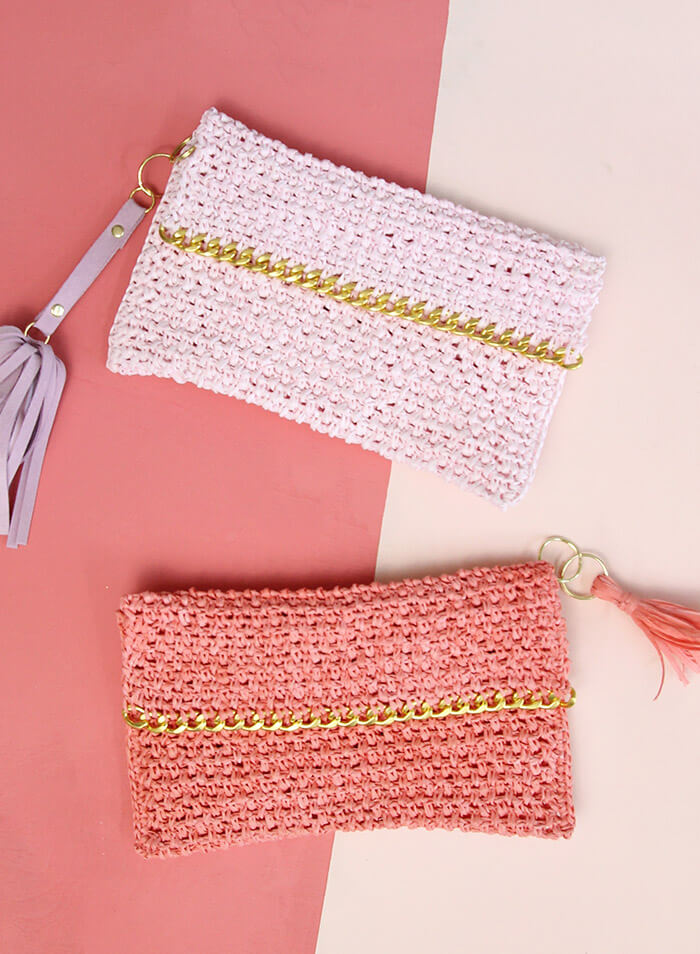 Crochet Clutch Pattern Free : Chain Edge Raffia Crochet Clutch Pattern - love the gold chain detail