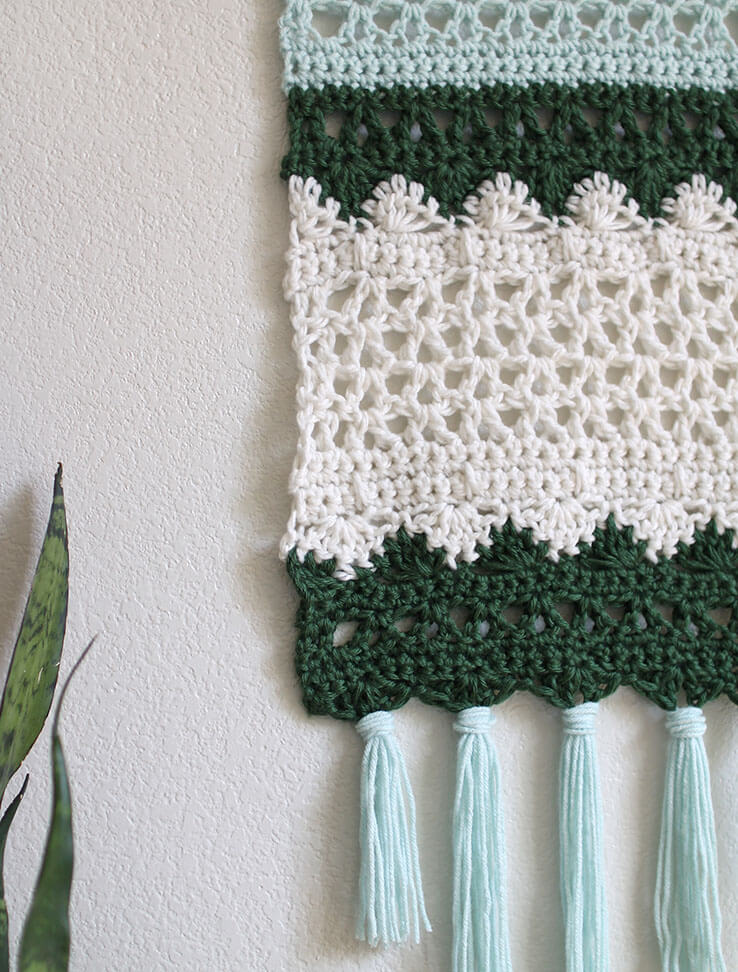 crochet wall hanging detail - free pattern