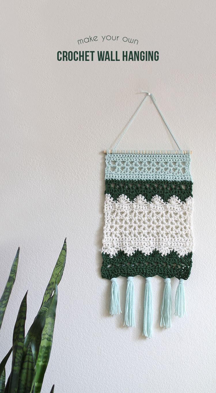 free pattern to make a beautiful crochet wall hanging