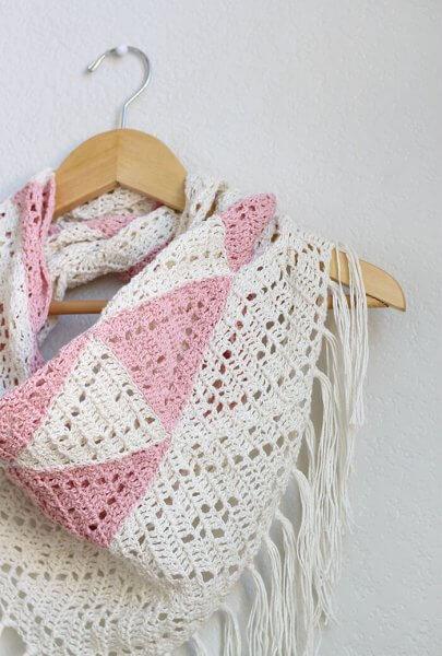 http://persialou.com/wp-content/uploads/2016/07/trillium-scarf-detail-405x600.jpg