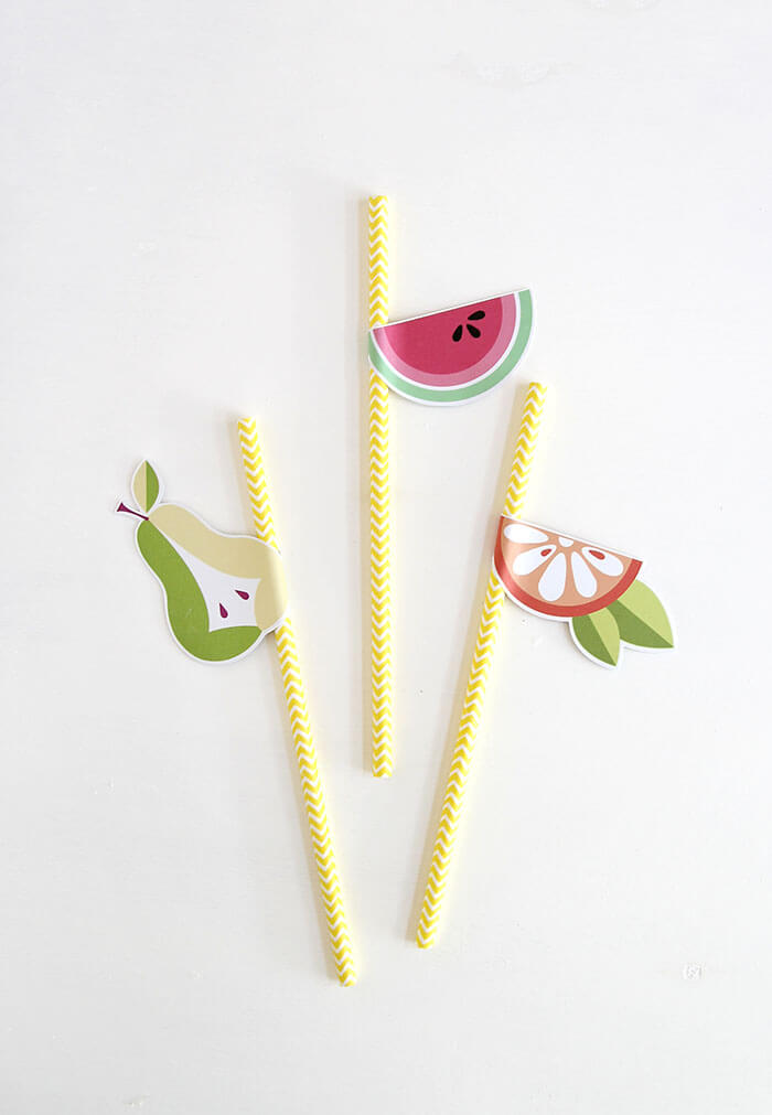 Printable DIY fruit straws. So easy to make. Perfect way to dress up any drink