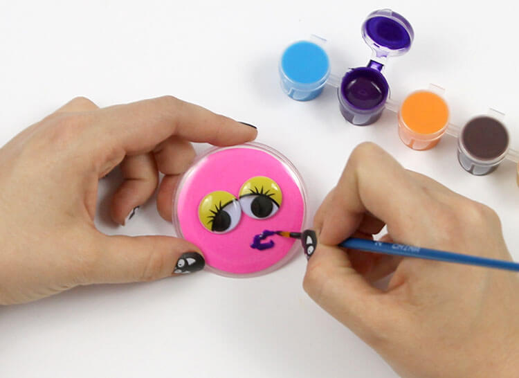 kids halloween craft idea - monster buttons