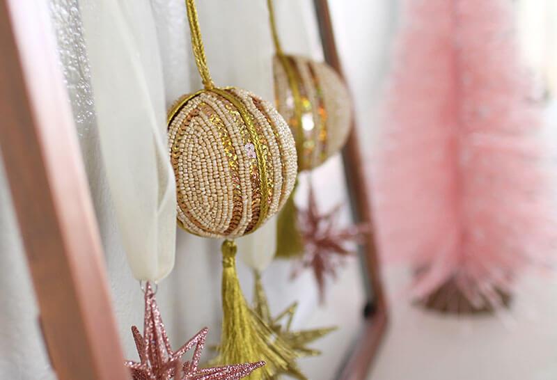 ornament-display-detail