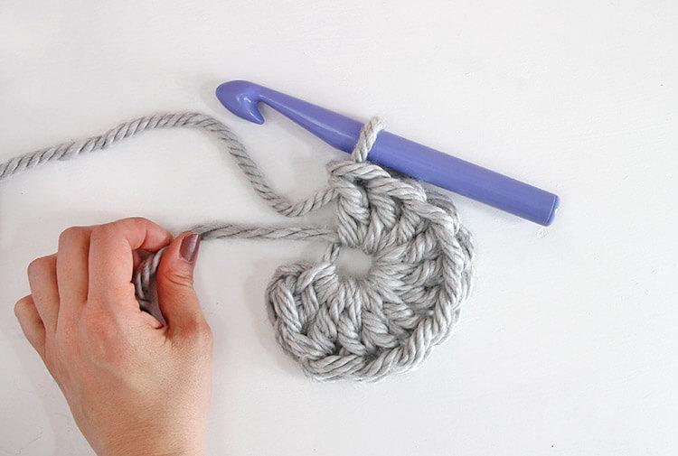 30 Minute Easy Chunky Crochet Beanie - Persia Lou 3d3291a2783