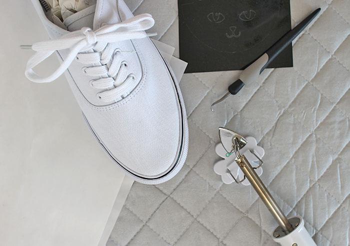 diy cat shoes supplies