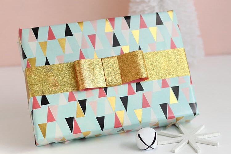 DIY Tape Bows – Glittery Gift Wrap Idea