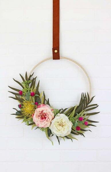 http://persialou.com/wp-content/uploads/2017/03/modern-spring-wreath1-1-387x600.jpg