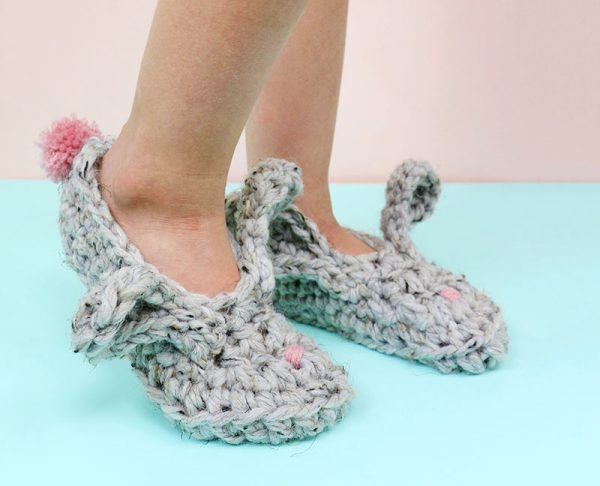 http://persialou.com/wp-content/uploads/2017/04/crochet-bunny-slippers31-600x486.jpg