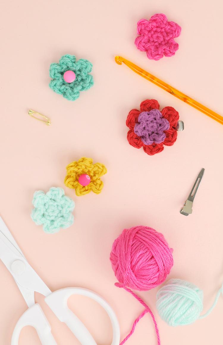 How to crochet flowers small simple flower pattern persia lou how to crochet flowers simple flower pattern izmirmasajfo