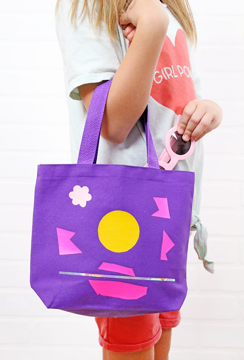 kids tote bag craft - let the kids make their own awesome tote bag designs - mess free and no special tools required!