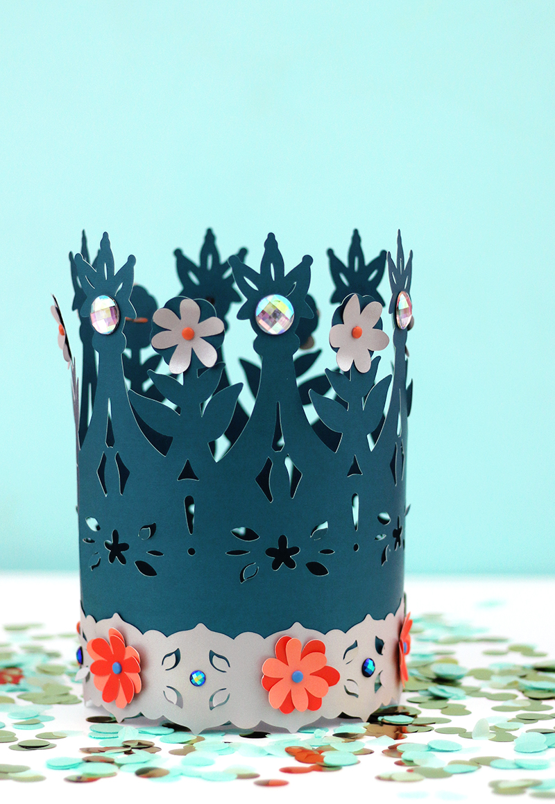 diy paper crowns - free cut files and templates