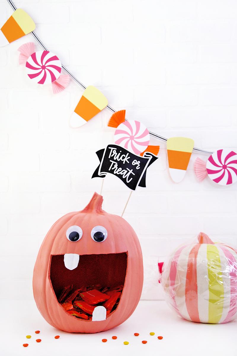 diy candy monster halloween decorations - diy pumpkin candy dish and diy halloween candy garland