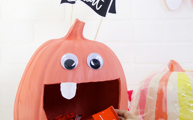 DIY Pumpkin Candy Bowl & DIY Halloween Candy Banner