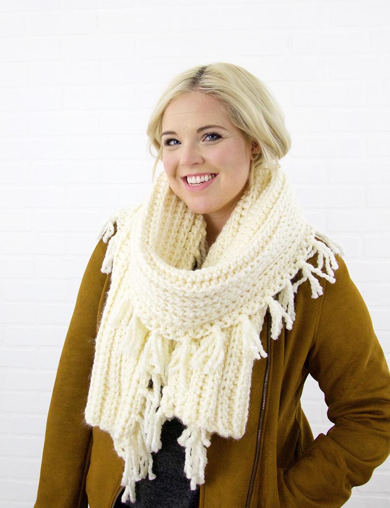 easy crochet scarf pattern with lots of tassels