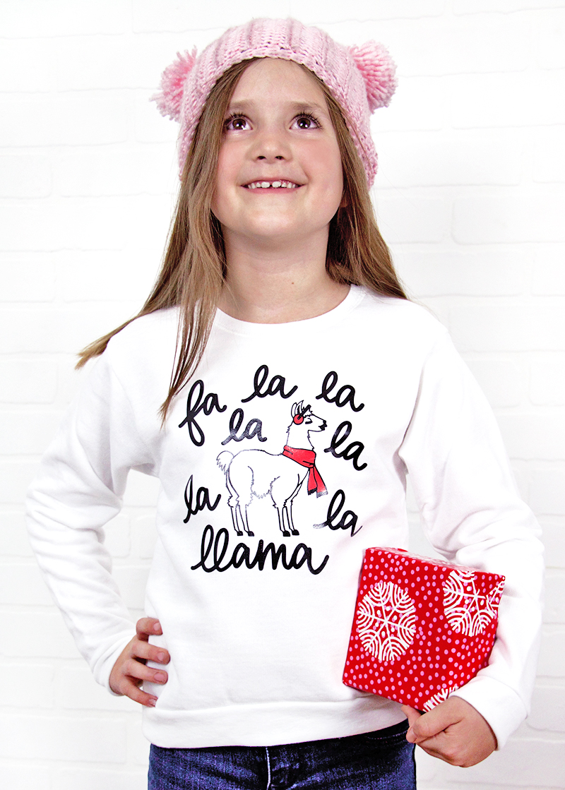 DIY Christmas Llama sweatshirt - free cut file