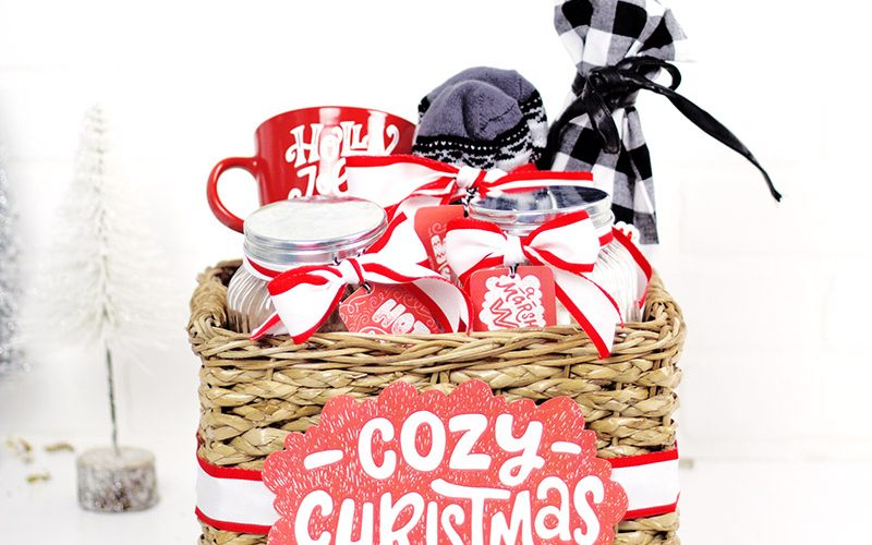 A Cozy Christmas – A Christmas Gift Basket Idea