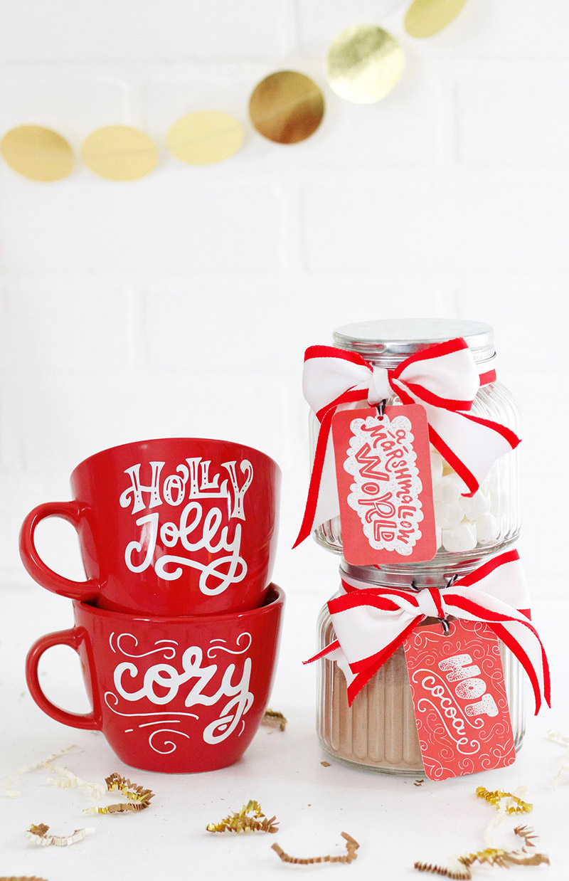 so cute! DIY mugs and cocoa Christmas gift idea