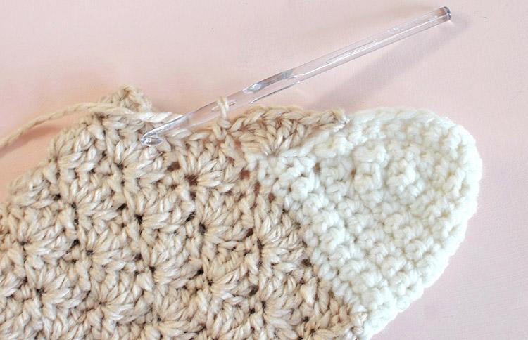 crochet stocking - forming the leg