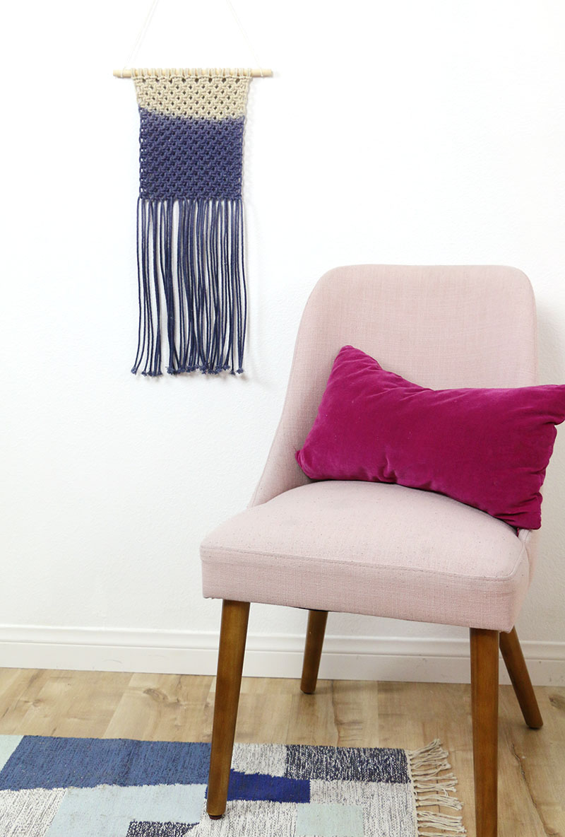 diy dip dyed macrame wall hanging blue ombre