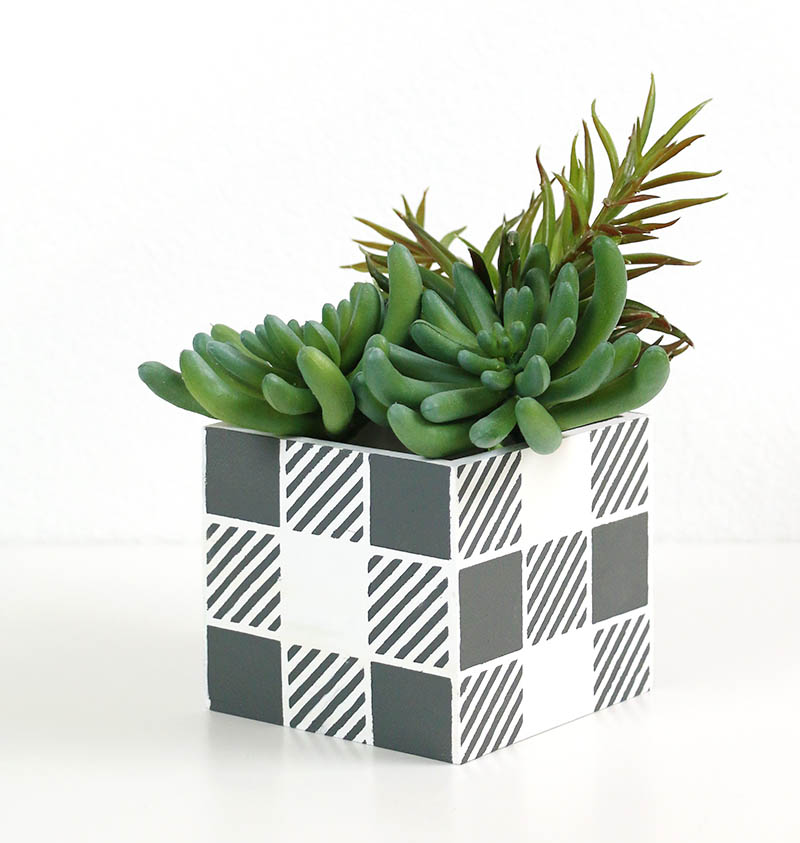DIY buffalo plaid planter