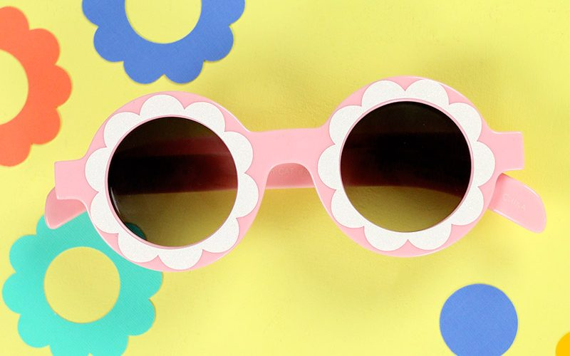 DIY Custom Sunglasses: Mod Flower Sunnies