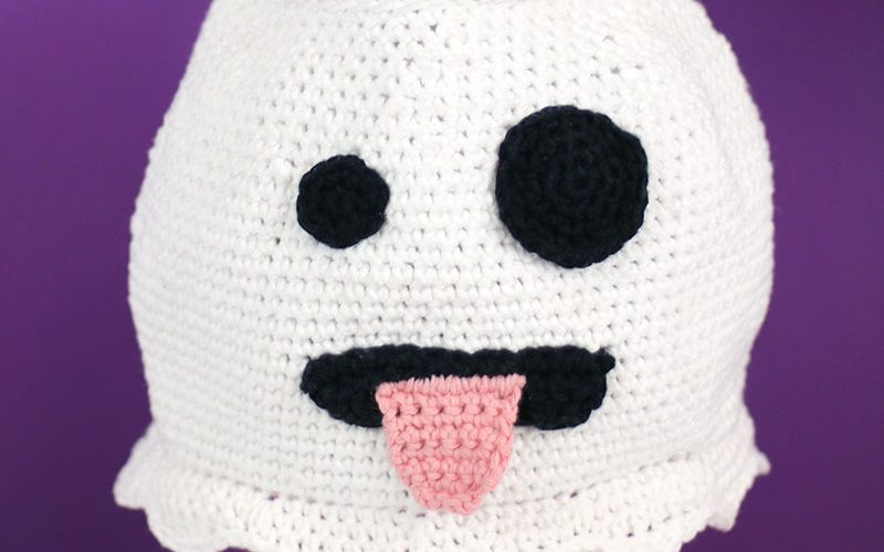 Cute Crochet Emoji Ghost Bag – Free Halloween Crochet Pattern!