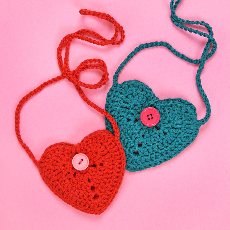 finished crochet heart purse