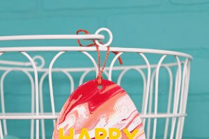 DIY Fluid Art Easter Egg Decorations with DecoArt